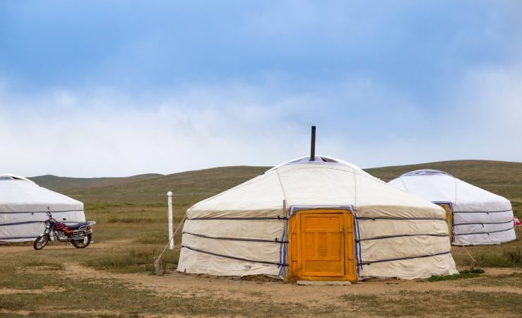 yurt-1798218_1920.jpg